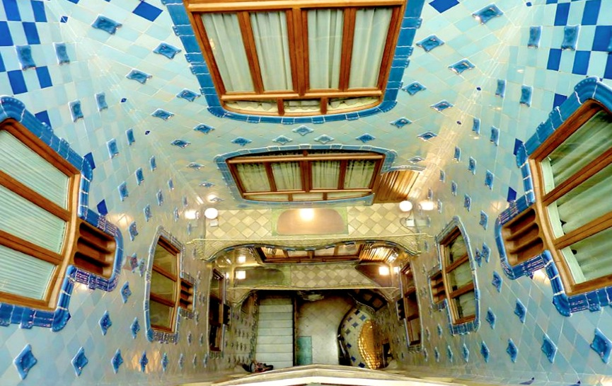 El Capricho de Gaudí en Comillas  Viajar por Cantabria : Información turísti...