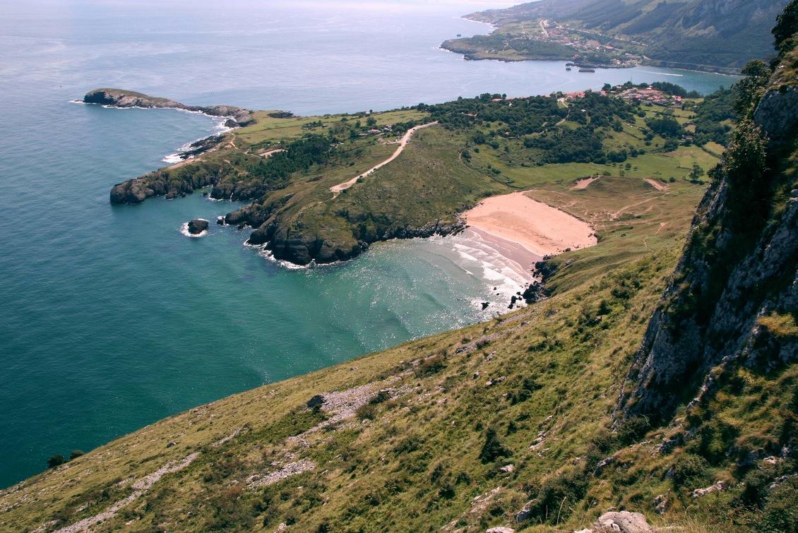 playa_de_valdearenas_liendo