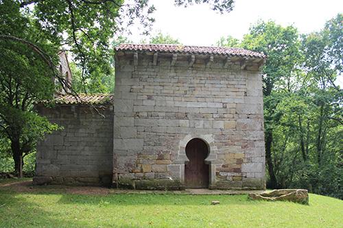 Iglesia-de-San-Román-de-Moroso-en-Bostronizo