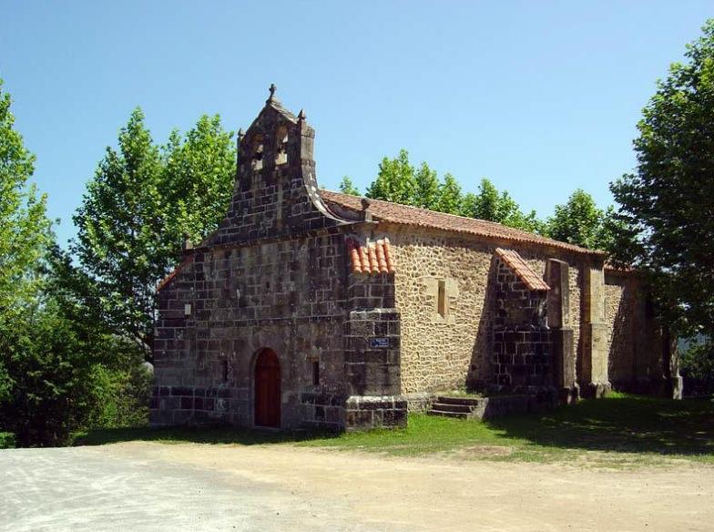 Santuario de la Virgen de Gracia en Aés