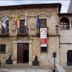 El palacio de la Familia de los Corro (Actual Ayuntamiento) en San Vicente de la Barquera