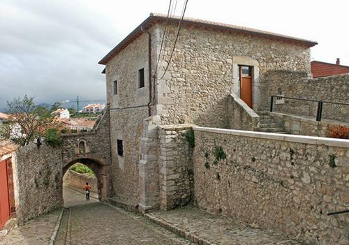 La-Torre-del-Preboste-en-San-Vicente-de-la-Barquera