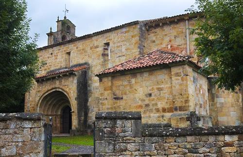 Iglesia-de-San-Facundo-y-San-Primitivo-en-Silió