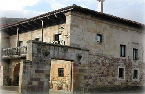 Casona monta esa de los ceballos viajar por cantabria informaci n tur stica de cantabria - Casa montanesa ...