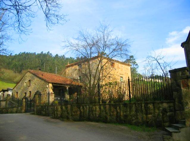 Casa-Torre de los Obregón (La Cueva) Castañeda