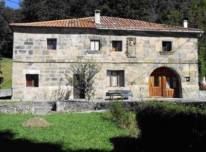 Casa de los Bustillo en Socobio (Castañeda)