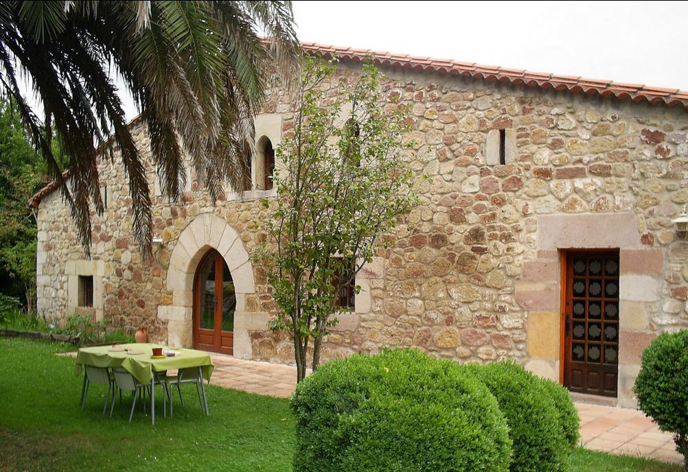 Casa g tica viajar por cantabria informaci n tur stica for Casa revival gotica