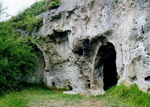 Ermita Rupestre del Tobazo en Villaescusa de Ebro « Viajar por ...